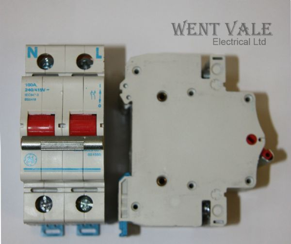 GE  - 100a Double Pole Switch Disconnector Used